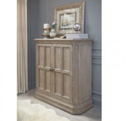 Manor House Door Chest by Legacy Classic